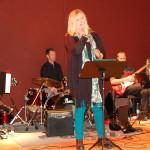 Lisa och Gunnel Holmgren uppträder på Cafékväll, KilArena, november 2012